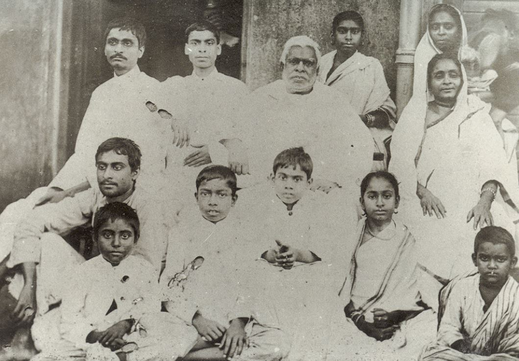 Bhaktivinoda Thakura családja