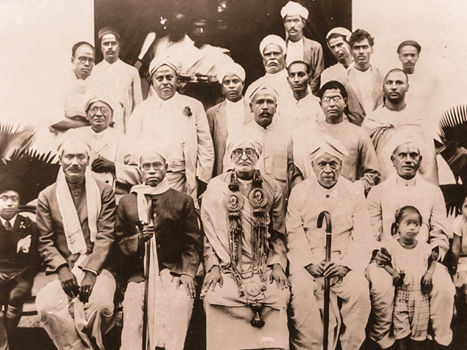 Srila Bhaktisiddhanta Sarasvati tanítávnyok körében